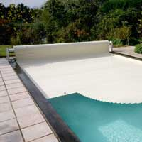 Roll easy swimming pool cover